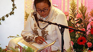 http://3.bp.blogspot.com/_Iv3R6_w1SVw/Sqg7jIhAwfI/AAAAAAAAB8Q/QpDYgBQDXxQ/s400/rosmahbacaquran.jpg