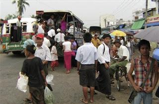 >Nyunt Htwe – Rangoon under the watchful eye of the Junta