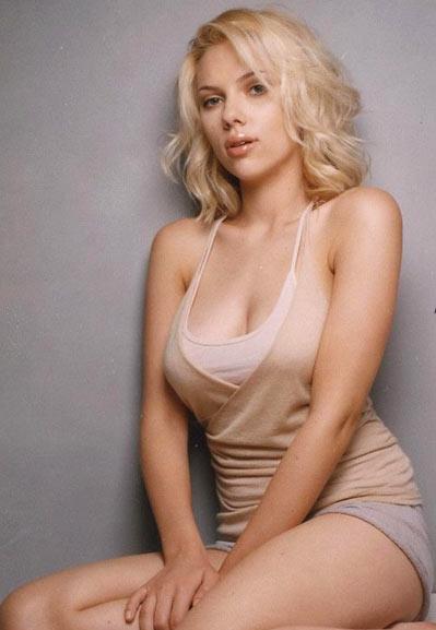 Scarlett Johansson Bikini Body