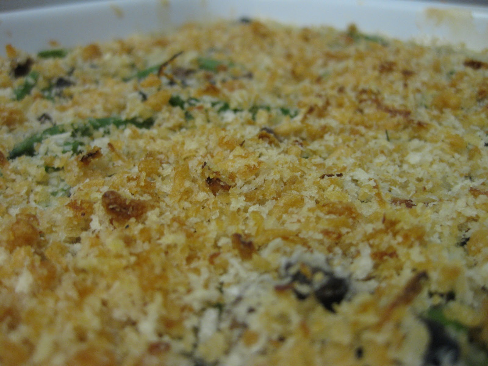 thanksgiving green bean and mixed mushroom casserole serves 4 to 6