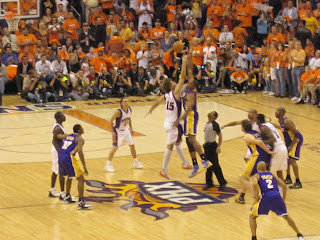 Lakers Fight In Locker Room