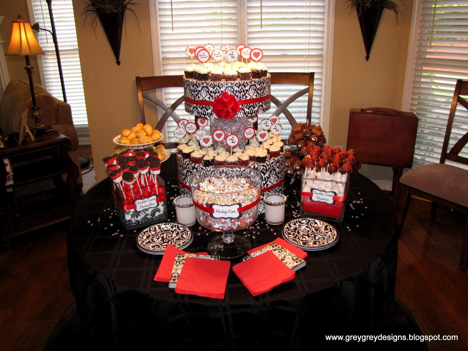 modern red black and white wedding table decor