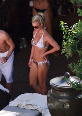 Britney Spears Not Topless Bikini Pictures From Vegas