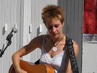 MUSIC: Prune.L., une jeune artiste à découvrir/a young artist to discover 2 image