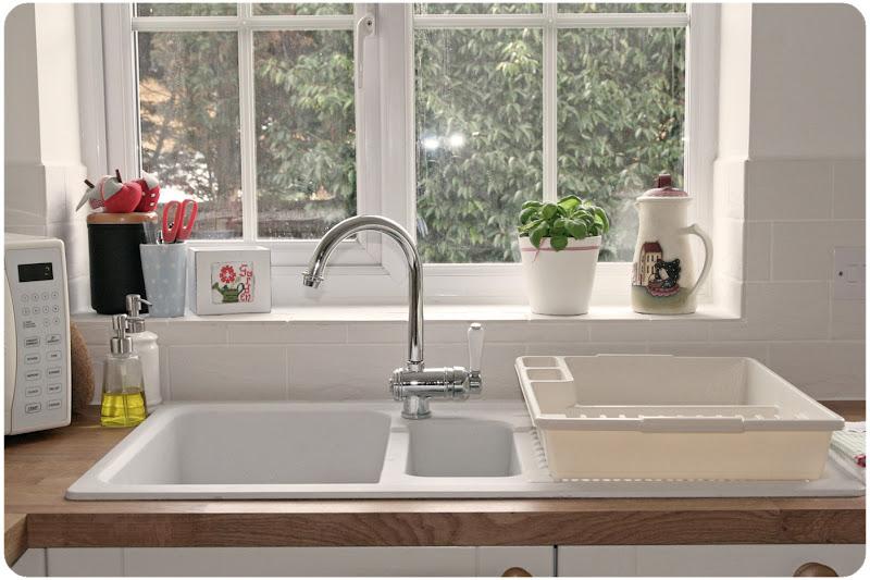 Countrykitty the new kitchen primi assaggi - Cucine moderne con finestra sul lavello ...
