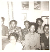 6 of the 7 Lankford Sisters with mother, Mary