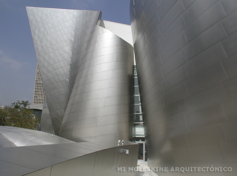 Obra maestra: Walt Disney Concert Hall - Frank Gehry (HQ)