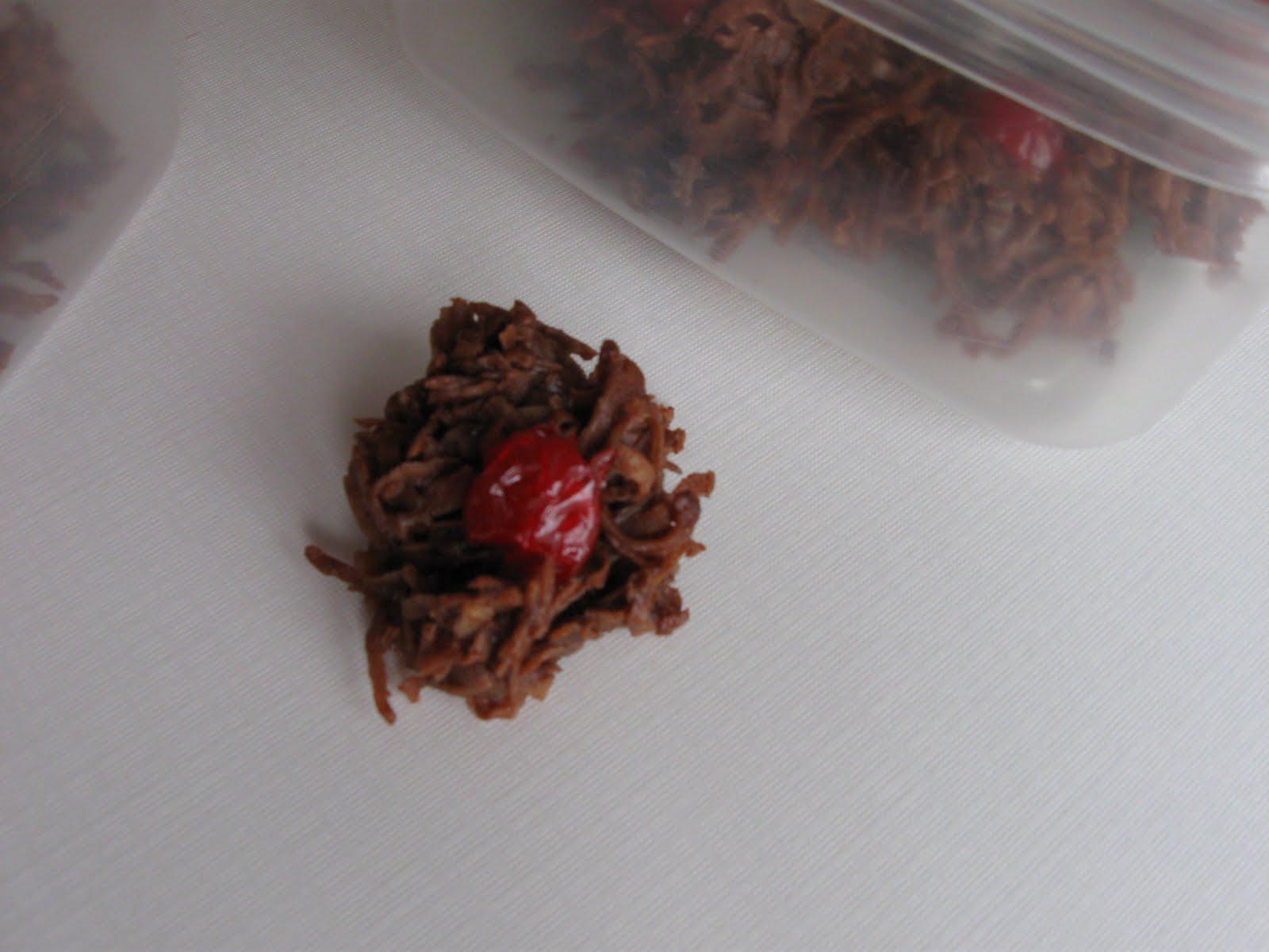 Cattapan's Cookies & Cakes: Cherry Chocolate Macaroons