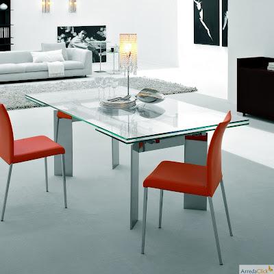 ... Glas Und Lackiertem Metall Mit Einem Linearen, Klar Design, Der Sich  Für Kundenspezifische Glasfarben Unterscheidet. Außerdem Ist Airo Tisch  Ausziehbar.