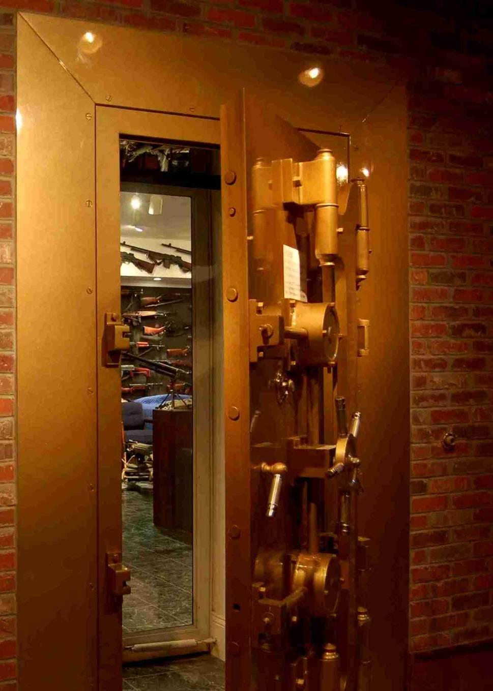 Correll cach charlton heston 39 s gun vault for Gun vault rooms