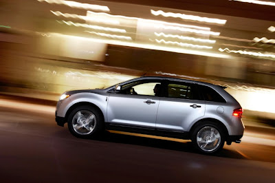2011 Lincoln MKX Side Action View