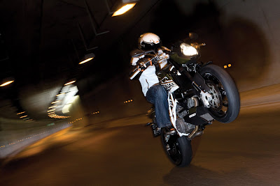 2010 KTM 990 Super Duke R Test Ride