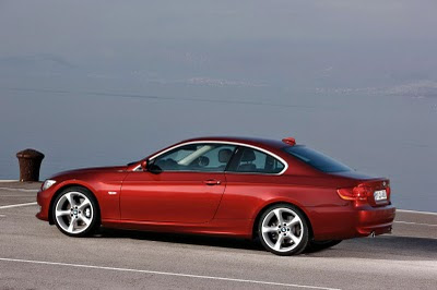 2011 BMW 3-Series Coupe Side View