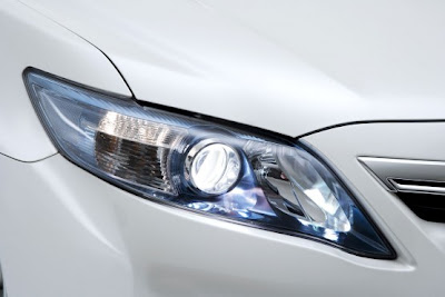 2010 Toyota Hybrid Camry Headlights