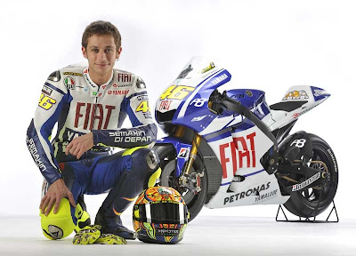 2010 Fiat Yamaha YZR-M1 Valentino Rossi Picture