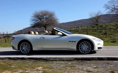 2011 Maserati Granturismo Convertible Side View