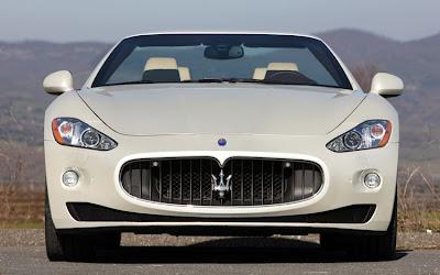 2011 Maserati Granturismo Convertible Front View