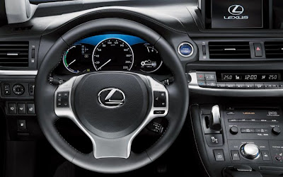2011 Lexus CT 200h Steering Wheel View