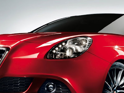 2011 Alfa Romeo Giulietta Headlight View