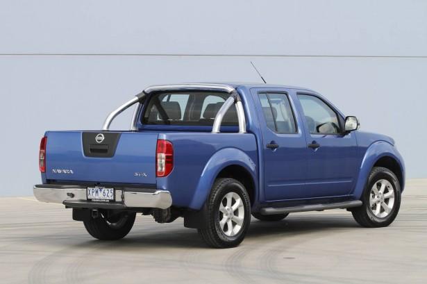 2010 nissan navara. 2010 Nissan Navara ST-X Rear