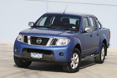 2010 Nissan Navara ST-X Front Side View