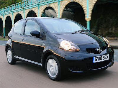 2010 Toyota Aygo Black First Look