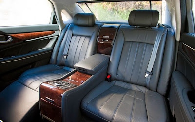 2011 Hyundai Equus Rear Seats