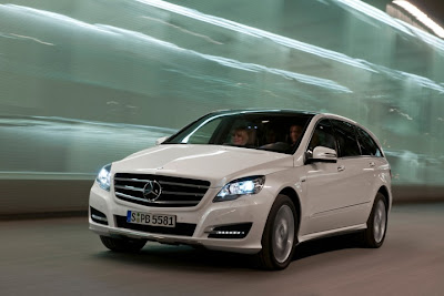 2011 Mercedes-Benz R-Class First Look