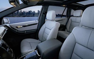 2011 Mercedes-Benz R-Class Front Seats