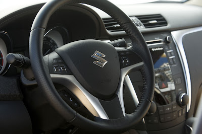 2011 Suzuki Kizashi Sport Steering Wheel