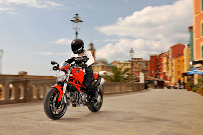 2011 Ducati Monster 796 in Action