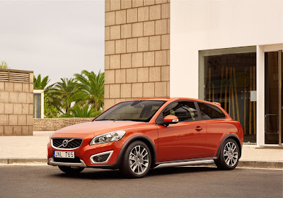 New 2010 Volvo C30 Sport Sedan Wallpapers