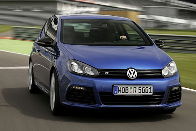 2010 Volkswagen Golf R Front View