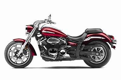 2010 Yamaha V-Star 950 Motorcycle Wallpaper