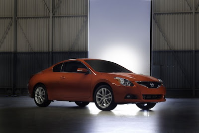2010 Nissan Altima Coupe Picture