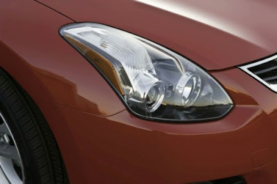 2010 Nissan Altima Coupe Headlight