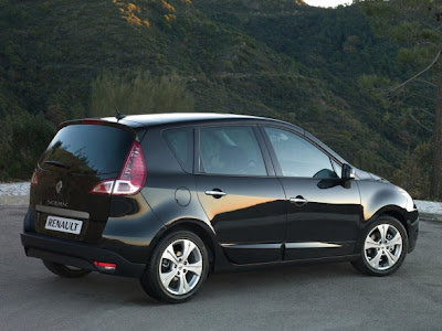 2010 Renault Scenic Luxury Car