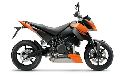 2010 KTM 690 Duke R First Look