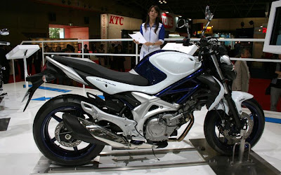 2010 Suzuki Gladius 400 Picture