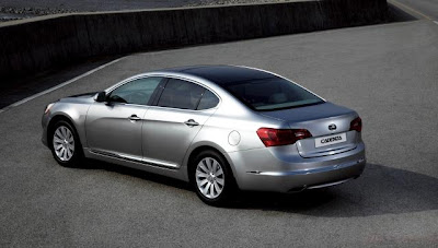 2010 Kia Cadenza Rear Angle View