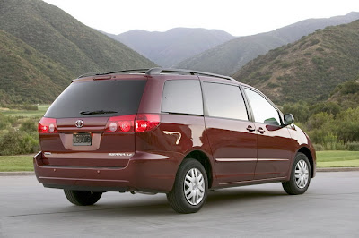 2011 Toyota Sienna Rear Side View