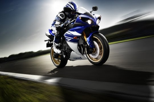 wallpaper yamaha 135lc. wallpaper yamaha r1.