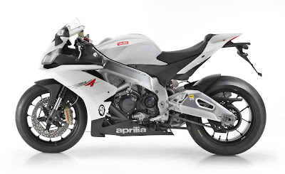 2010 Aprilia RSV4 Factory Wallpaper