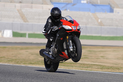 2010 Aprilia RSV4 Factory in Action