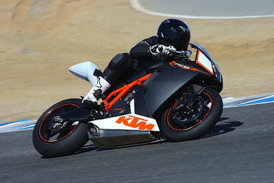 2010 KTM RC8 R Action
