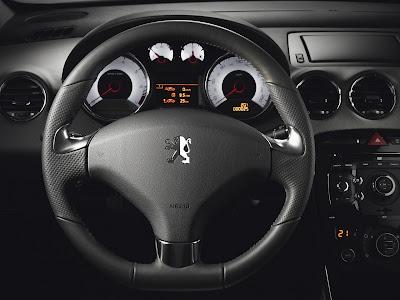 2011 Peugeot 308 GTi Cockpit