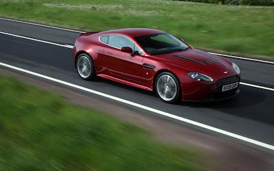 2011 Aston Martin V12 Vantage Picture