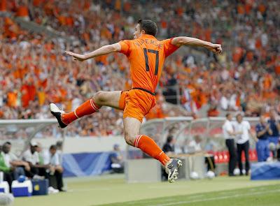 Robin van Persie World Cup 2010 Football Wallpaper