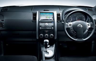 2011 Nissan X-Trail Cockpit