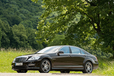 2011 Mercedes-Benz S63 AMG First Image
